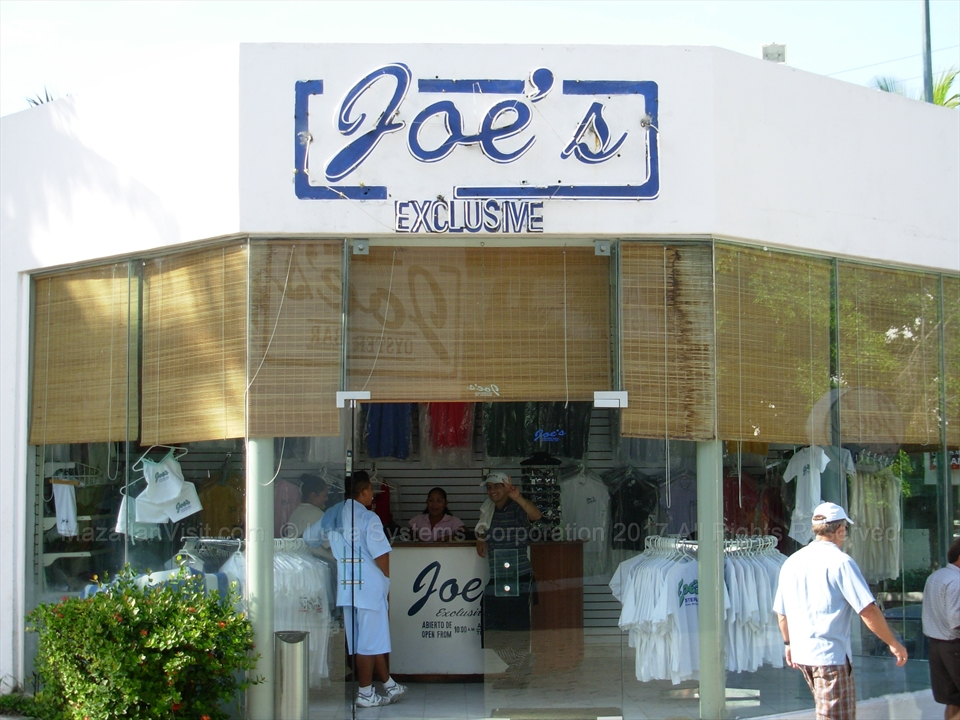 Joe's Oyster Bar Store in Mazatlán, Sinaloa, Mexico
