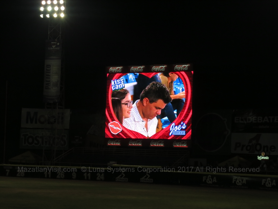 kiss cam at the baseball stadium in Mazatlán